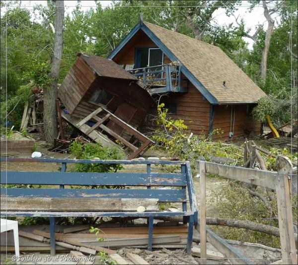 439-Deck cabin back