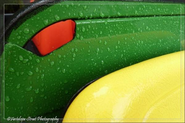 rain drops fender green yellow red